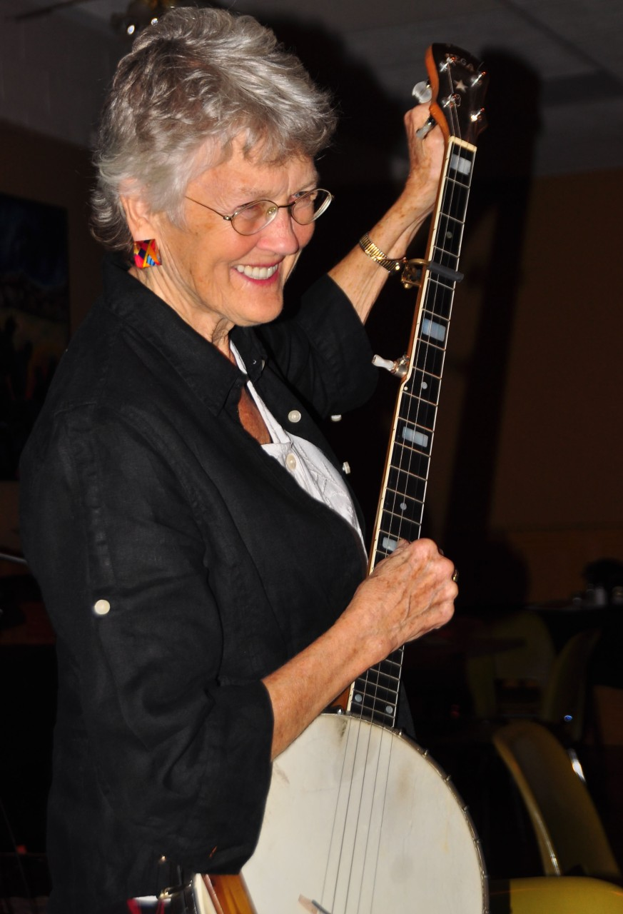 Peggy with banjo  Photography by Dale Hubert